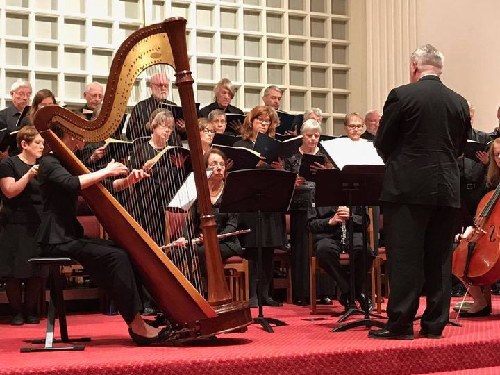 Harp with choir and small orchestra