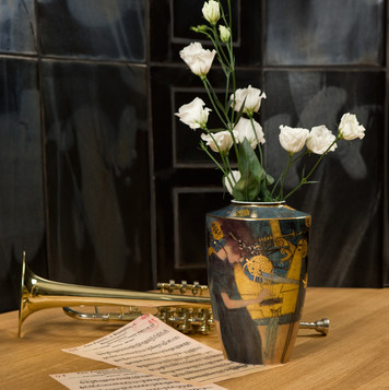 ARTIS-ORBIS_Klimt_Die_Musik_Vase_6653929