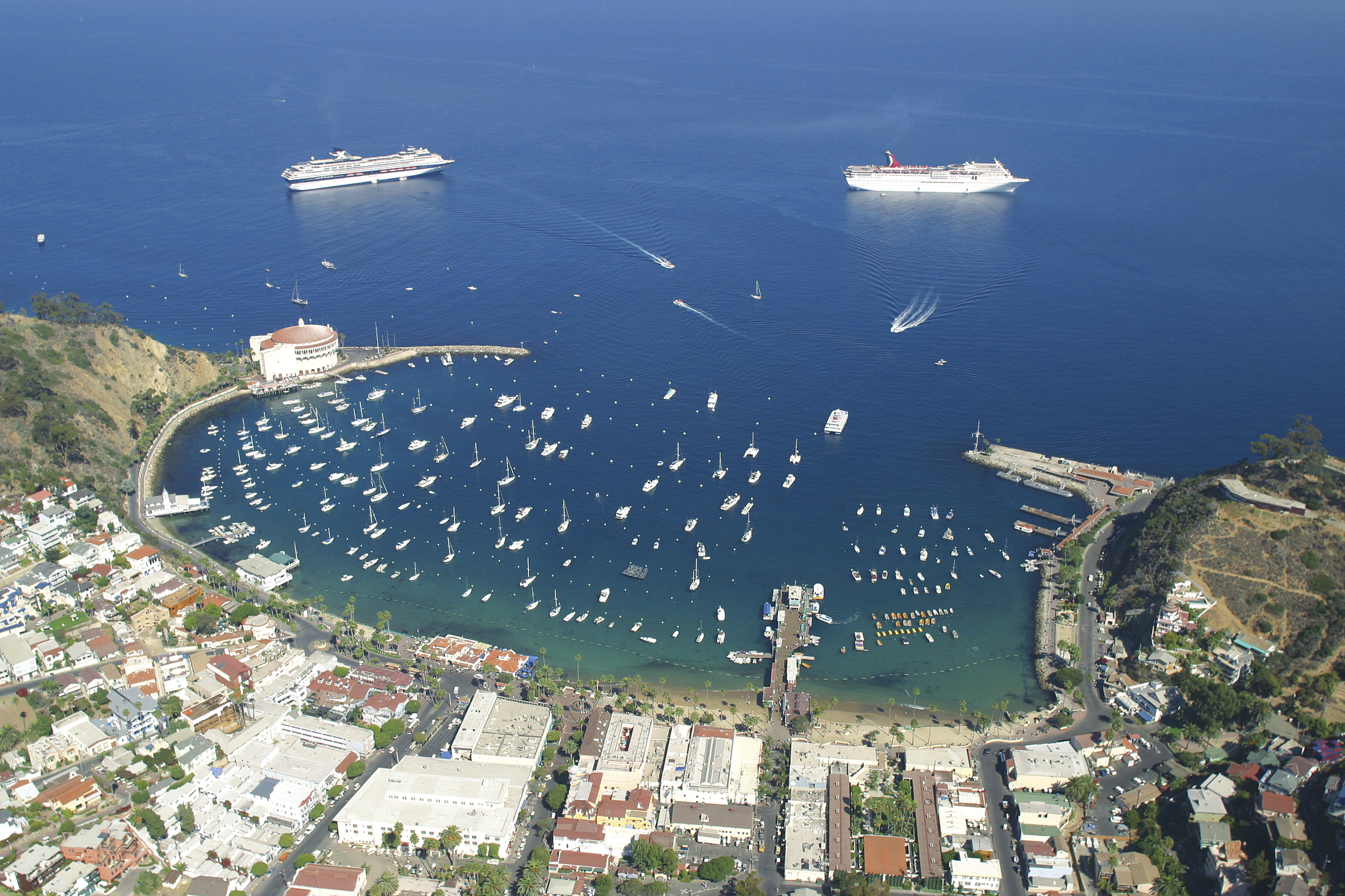 2cruiseship-harbor-aerial