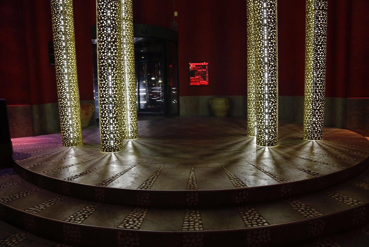 Détail colonnes lumineuses