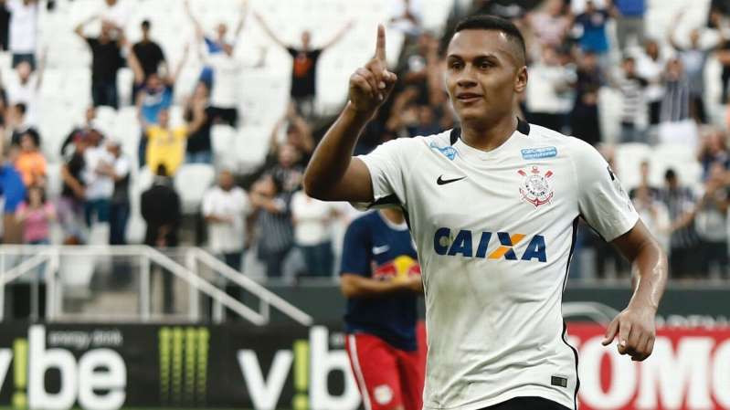 © Getty Léo Jabá comemora gol pelo Corinthians contra o Red Bull na Arena pelo Campeonato Paulista