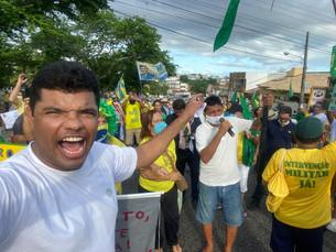 CARREATA E ATO DE MANIFESTAÇÃO FORAM REALIZADOS EM SERGIPE NA FRENTE AO QUARTEL DO EXÉRCITO BRASILEI