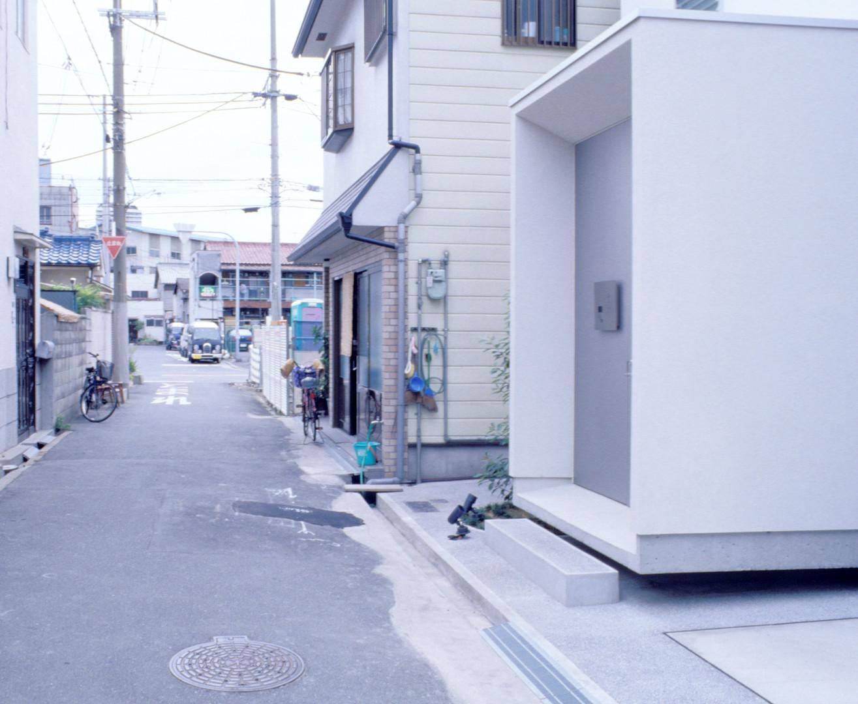 外観玄関4.jpg