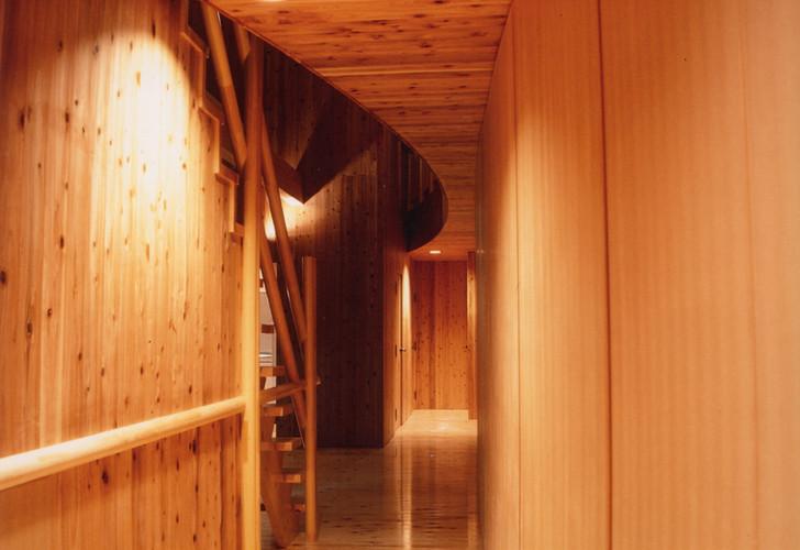 エントランス廊下.jpg