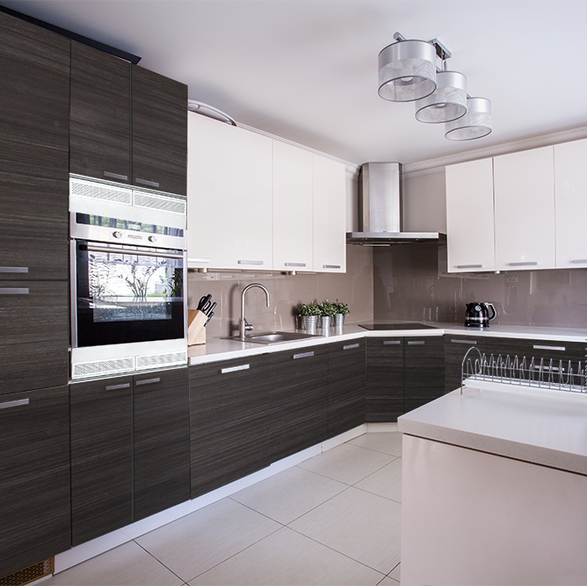 Black River with Metro Smooth White Kitchen
