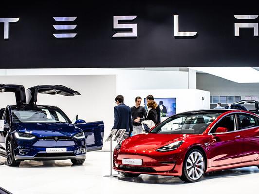 Bản tin 21/12/2020: Cổ phiếu giảm nhưng tăng trong tuần, Tesla giao dịch bùng nổ