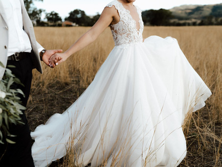 All the things you need to know about wedding dress shopping at sample sale