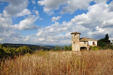 An abandoned house above Montespertoli, Italy
