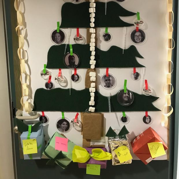 Door decorating contest 2018