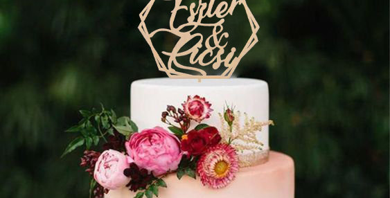 Egyedi névre szóló - Esküvői Tortadísz