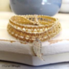 bracelet dentelle plume or.jpg