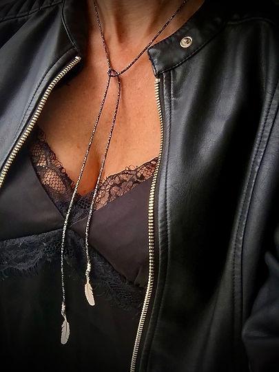 sautoir cravate black muriel biraghi.jpe