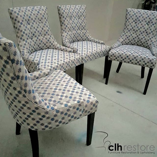 4 gorgeous scoop back dining chairs are