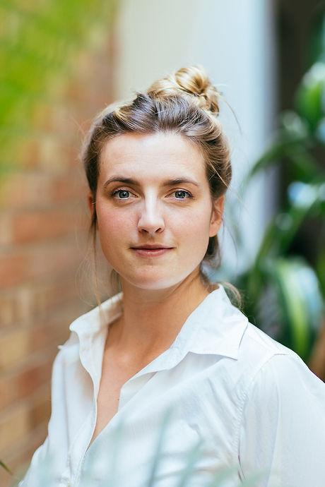 Vanessa Joy Evans Acupuncturist Headshot