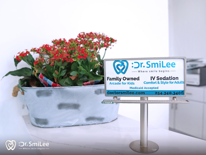 Dr. SmiLee - Cosmetic Family Emergency dentistry of Waco, Texas