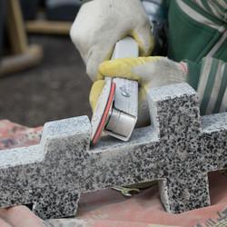 шлифовка гранитного креста насадка по камню
