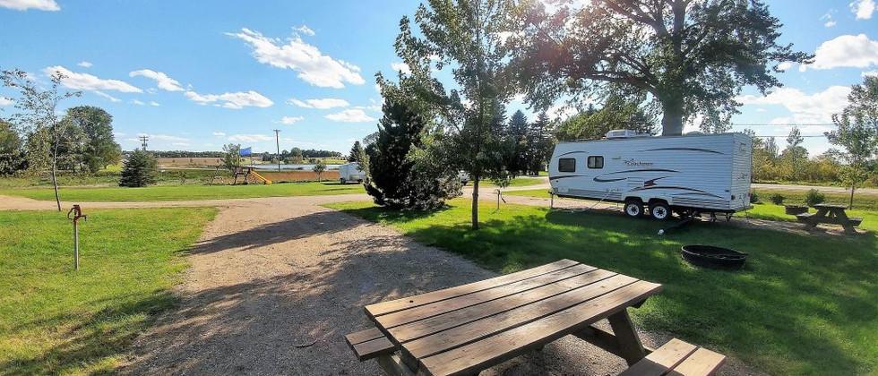 Camp-Summit-Large-Parking-Pads-1024x576
