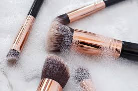 How to: Properly clean your makeup brushes
