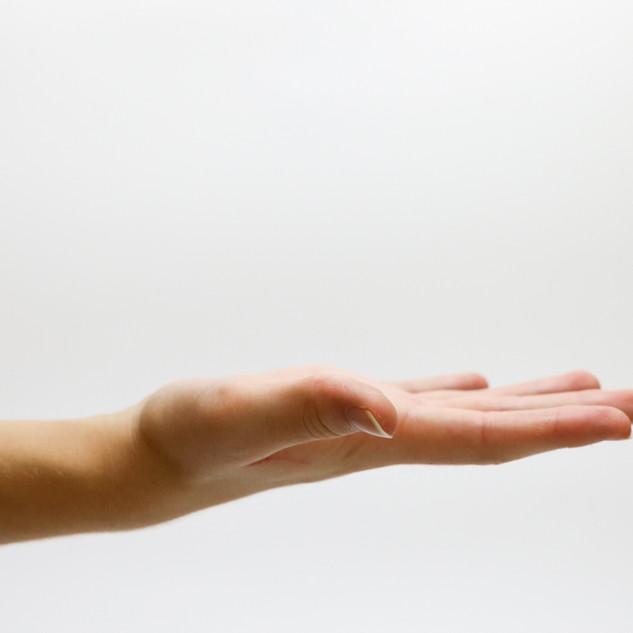6 HELPLINES HAND.jpg