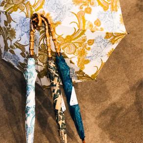 ペイズリー柄の晴雨兼用傘が好評です!