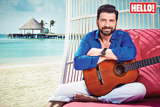 Nick Knowles in Hello!