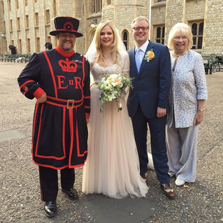 Congratulations to Dr Lindsey Fitzharris and Adrian Teal on their marriage ❤️