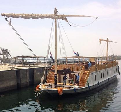 Sailing on a luxe private dahabiya  |  Zeilen op een dahabiya; luxe en privé