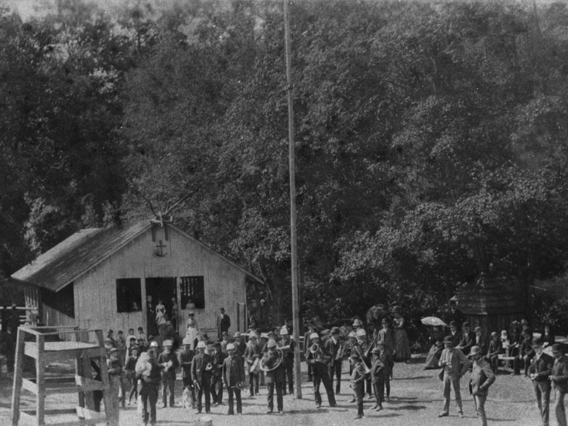 Band-at-Fishers-Glen-pavillion-circa-1900