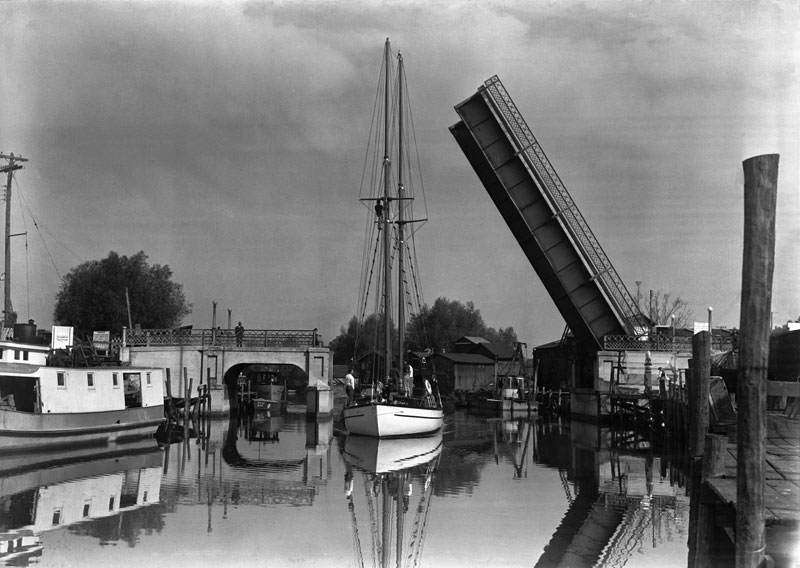 Orenda lift bridge circa 1943