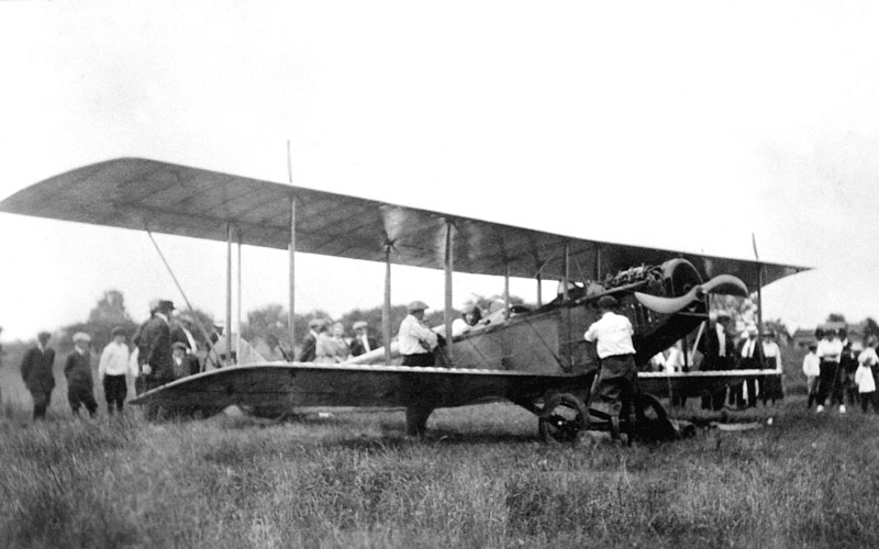 Curtiss-biplane-Port-Rowan-1921