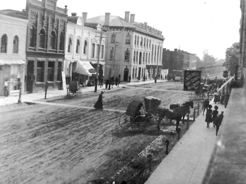 Norfolk St., Simcoe, circa 1900.