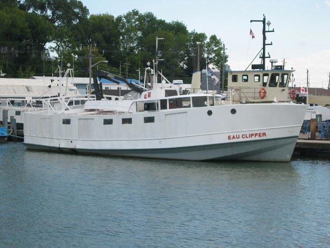 Fishing boat Eau Clipper