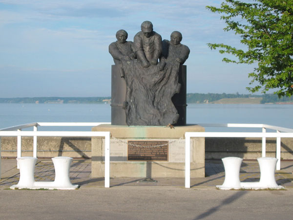 Fishermans Monument in Port Dover.