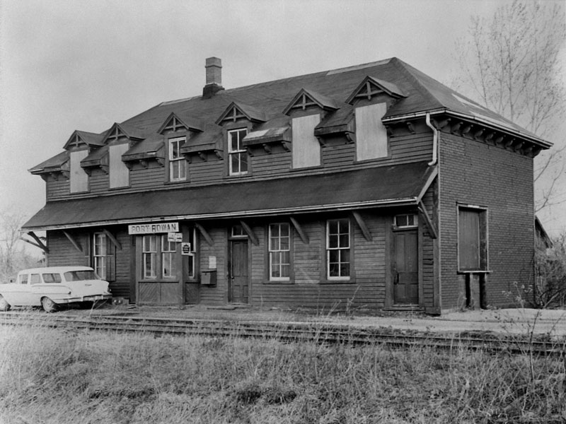 Canadian-National-Raiload-station-Port-Rowan-circa-1960