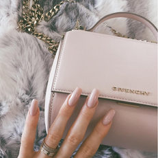 Be Like Kylie Jenner and Match Your Nails to Your Bag