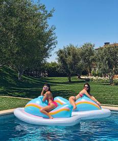 Enjoy The Summer Kendall & Kourtney-Style