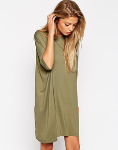 A Baggy Dress Is The Perfect Fall Transition Item
