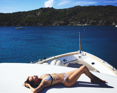 Nail Bella Hadid's Vacay Style With These Key Pieces