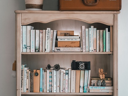 5 BOOKS YOU WON'T REGRET READING EVEN IF YOU ARE NOT A BIBLIOPHILE