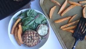Recipe: Spinach Parmesan Turkey Burgers (with basil aioli)