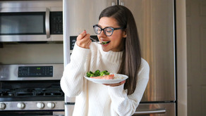 How to balance hunger + fullness and stop overeating