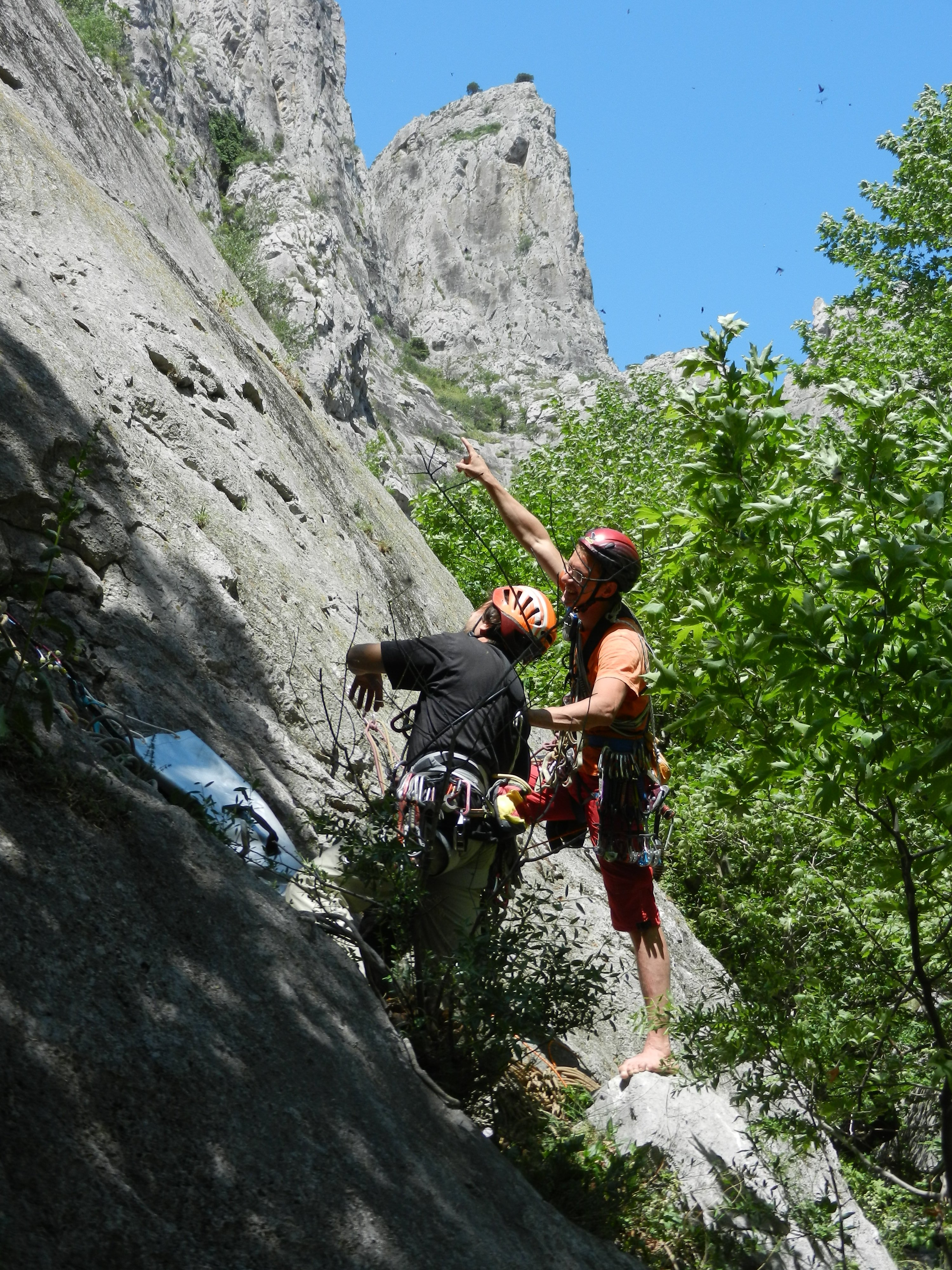 Team is preparing to star trad climb