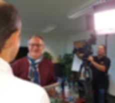 """IT-Video Beitrag, KMU Software, ERP, COMMARES GmbH, Steger-Video, Emotional, spannend, informativ und unterhaltsam! Das sind die Bestandteile welche die """"IT-Video Beiträge"""" der Steger-Video   & COMMARES GmbH ausmachen. Dank unserer mehrjährigen TV-Erfahrung produzieren wir die IT-Beiträge termingerecht in bester Qualität."""