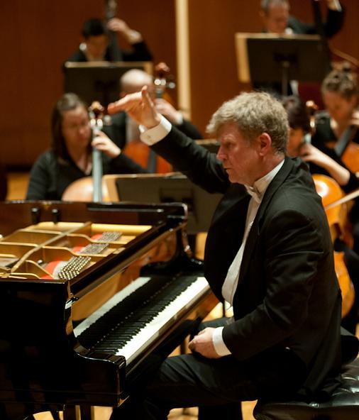 Ian Hobson & Sinfonia da Camera, 2005
