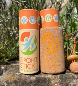 SportStick é um protetor solar natural FPS50, composto de filtros físicos e óleos vegetais.