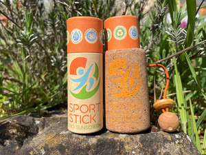 SportStick is a natural SPF50 sunscreen, composed of physical filters and vegetable oils.