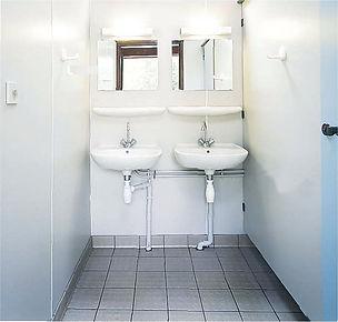 cabine phénolique CABSAN SAS-cabine douche stratifié compact- cabine wc en HPL