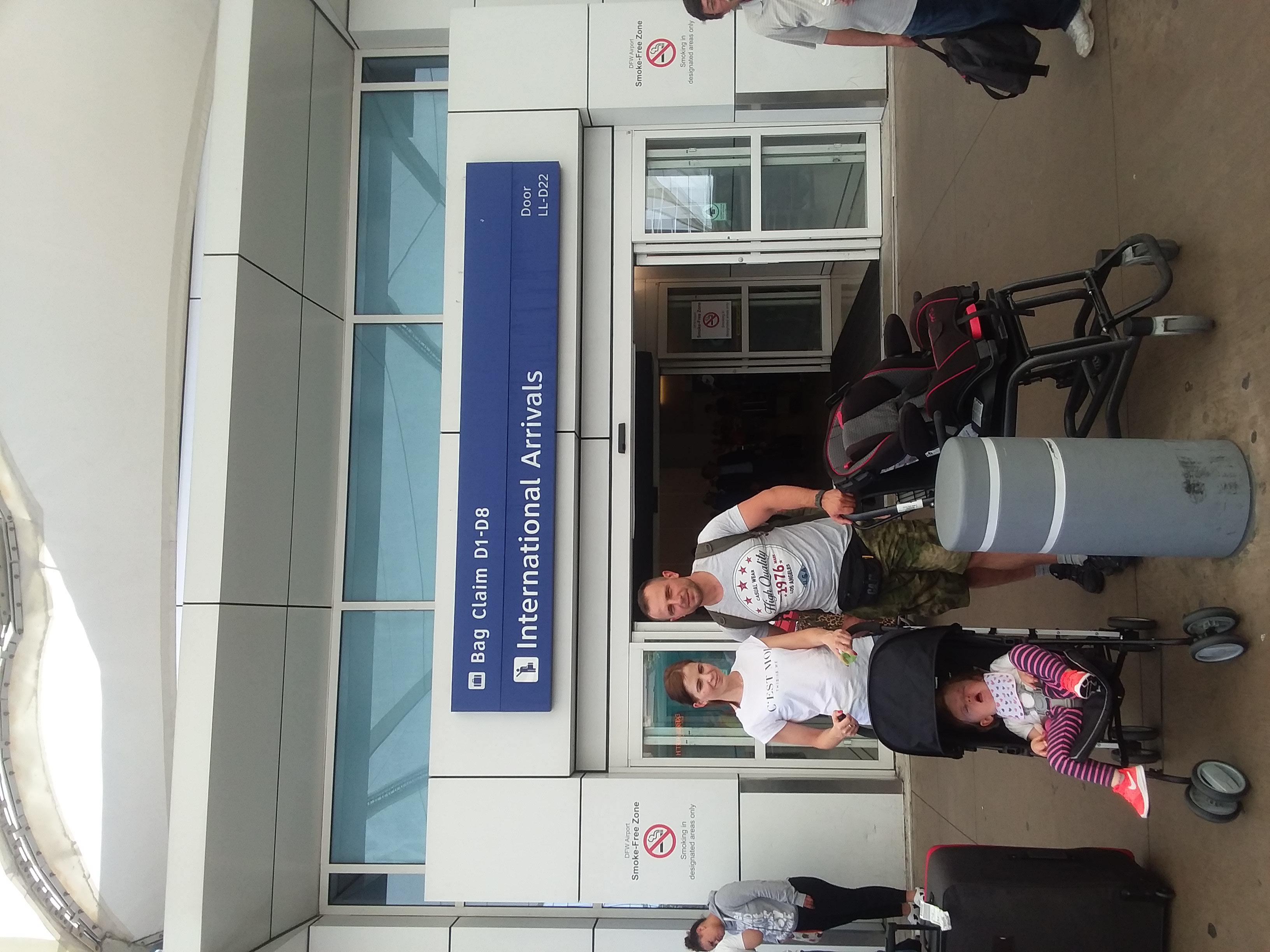DFW Airoport - Matuszewski familly arrived_