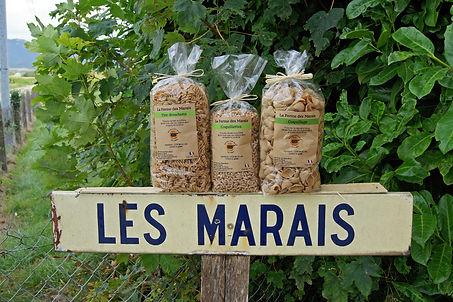 ferme-les-marais-pates-seche.jpg