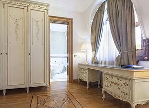 Dressers & Wardrobes